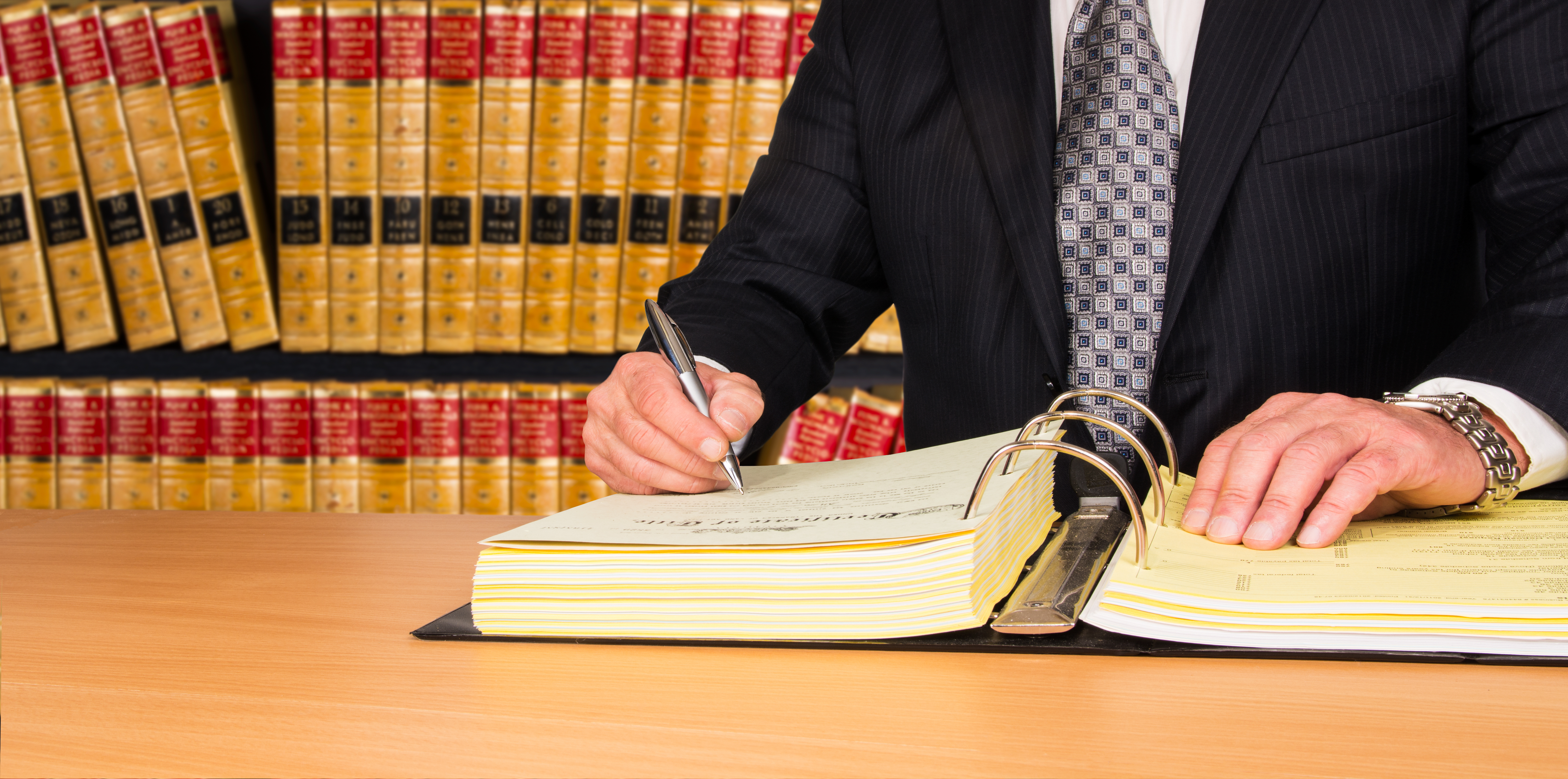 Determining the Best Paralegal School for Your Law Career