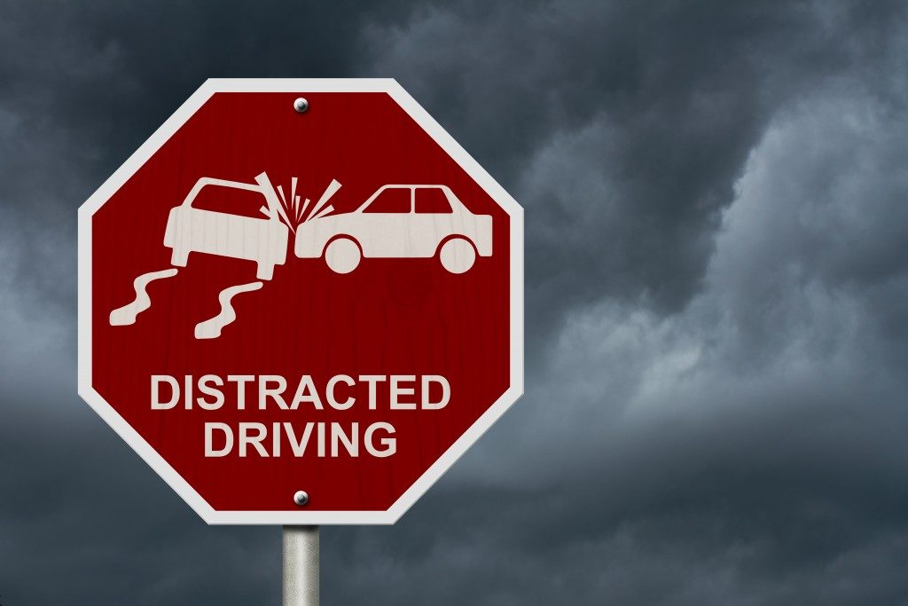 Distracted driving signage